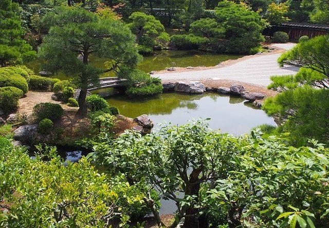 Cómo Hacer un Jardín Japonés de Bricolaje