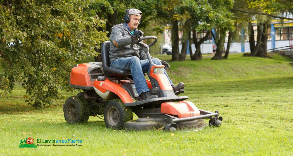 Tractor Cortacésped: Cómo elegir el adecuado